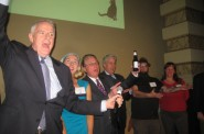 Mayor Barrett leads the crowd in a spirited version of Happy Birthday. Photo by Michael Horne.