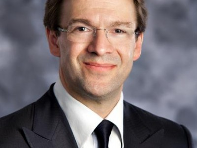 "County Executive Chris Abele Announces ""Bear Garden"" Coming to Milwaukee County Zoo"