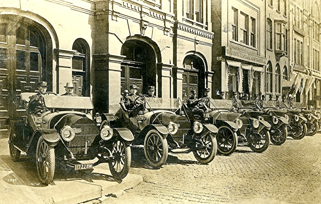 Engine House One, located on Broadway, with its fleet of Cartercars, 1912. Image courtesy of Jeff Beutner.
