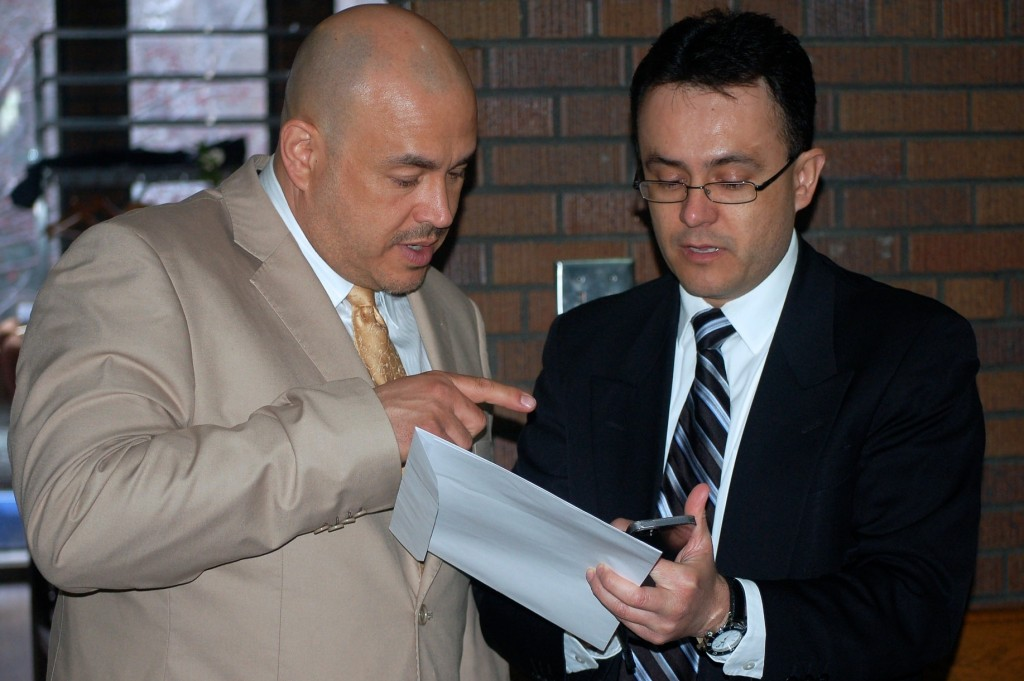 Jose de Jesus Cabrera (right), advisor for the Institute of Mexicans Abroad, chats with Alderman Jose Perez about the new Mexican consulate slated for Milwaukee. (Photo by Edgar Mendez)