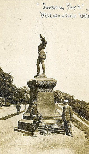 Leif, the Explorer and two tourists visiting Milwaukee, around 1910. Image courtesy of Jeff Beutner.