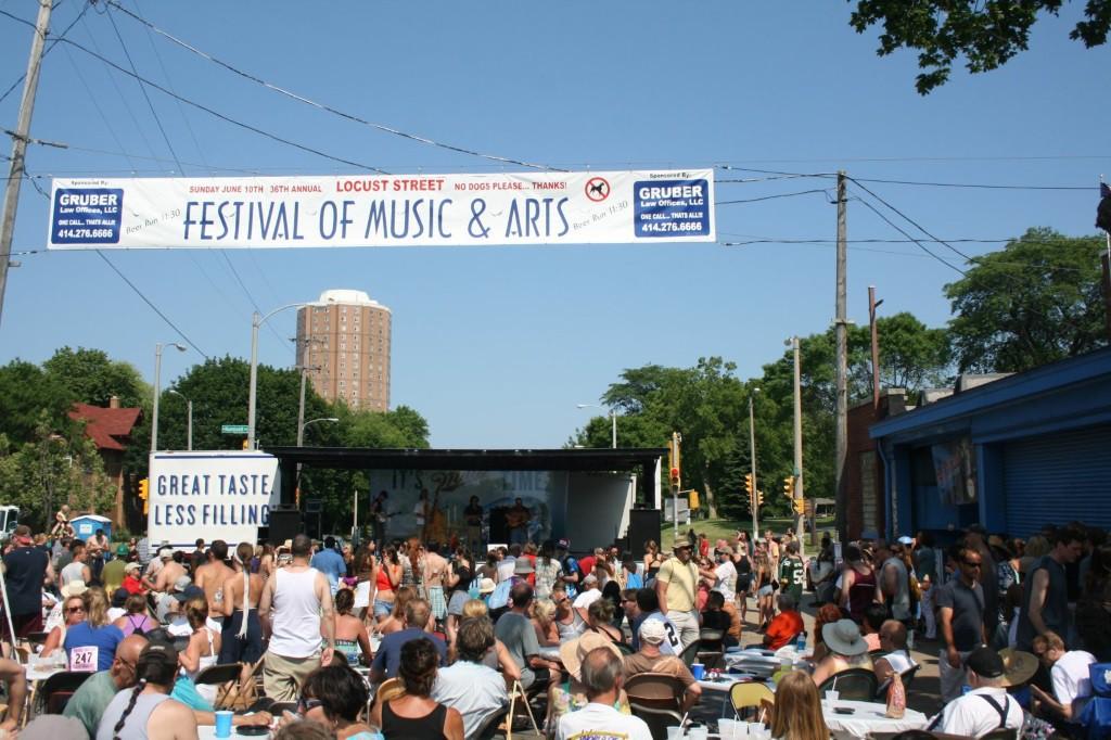 Locust Street Festival. Photo by Jeramey Jannene.