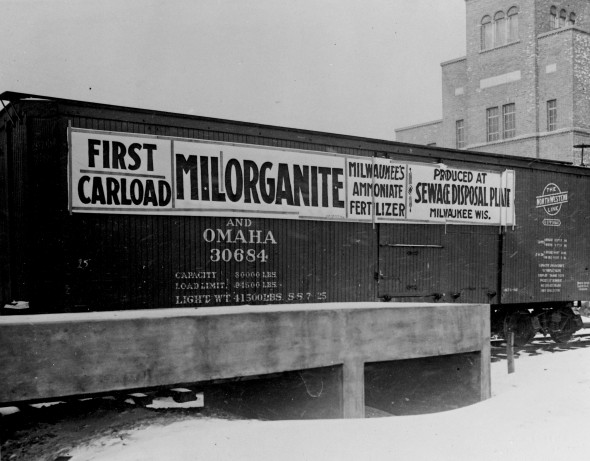 First Milorganite shipment by rail, 1926. Photo courtesy of MMSD.
