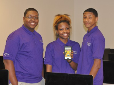 National top 5 win for mobile app created by students at MPS' Washington HS of IT