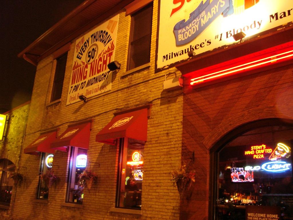 Steny's Tavern & Grill. Photo by Nastassia Pultz.