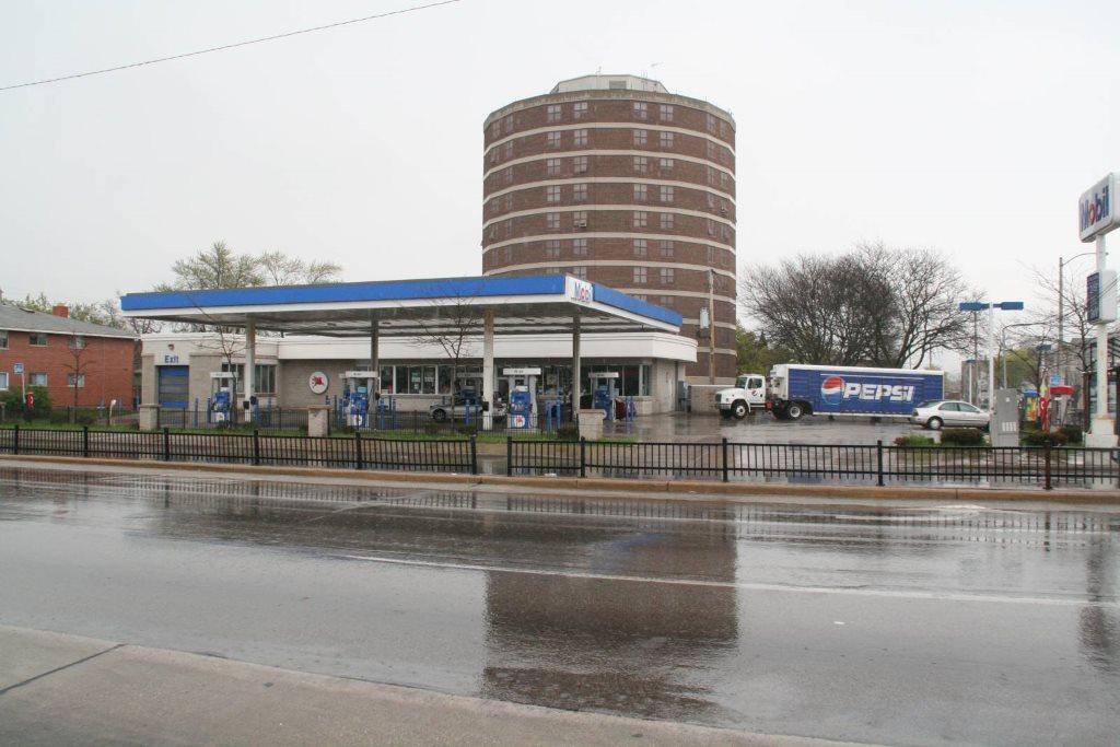 Mobil station at 812 S. Layton Blvd. Photo by Jeramey Jannene.