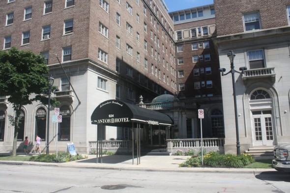 Astor Hotel. Photo by Carl Baehr.