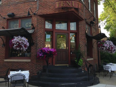 Dining: Tenuta's Offers Cozy Italian Dining
