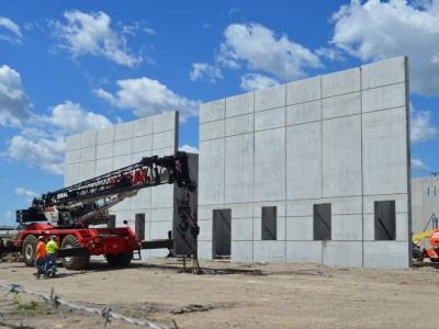 Friday Photos: New Building Arises in 30th St. Corridor