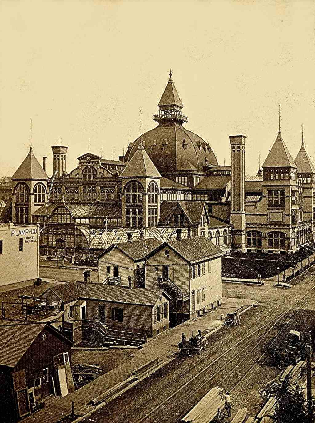 Milwaukee Industrial Exposition Building, 1880s. Image courtesy of Jeff Beutner.