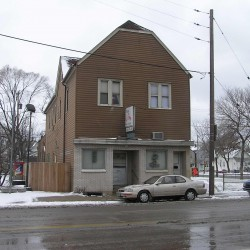 1617 S. 1st St. (Photo taken by City of Milwaukee, 2005/01/05)
