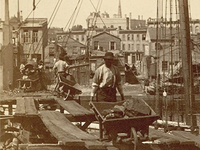 Yesterday's Milwaukee: Loading Coal, 1885