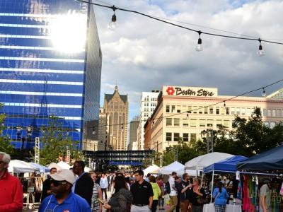 City Streets: Milwaukee's Grand Avenue