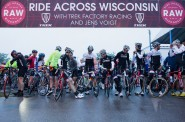 The start line at 6:25 am in Dubuque. Next year we will start half an hour earlier. Photo by Peter DiAntoni.