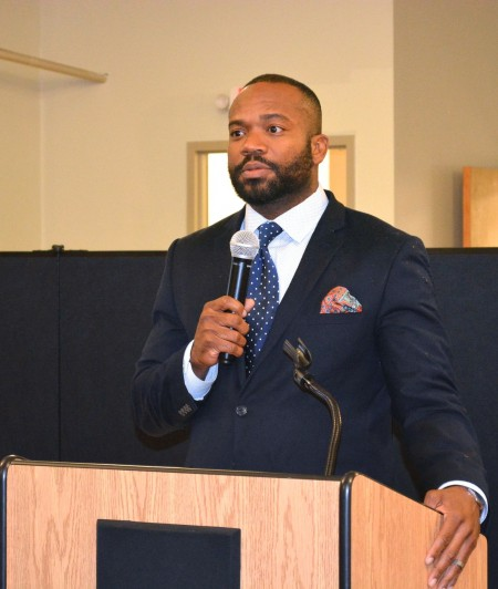 Ald. Russell Stamper II offers his support for a revitalization plan for Lindsay Heights. Photo by Marlita A. Bevenue.