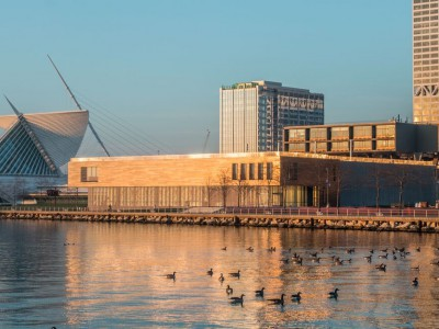 Milwaukee Art Museum celebrates the season with exciting events and extended hours in December