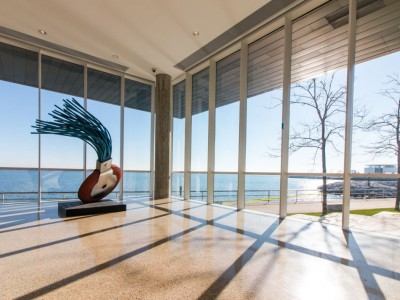 Milwaukee Art Museum Unveils New Addition