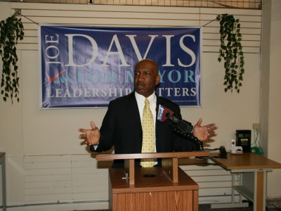 Eyes on Milwaukee: Joe Davis Receives Hot Endorsement