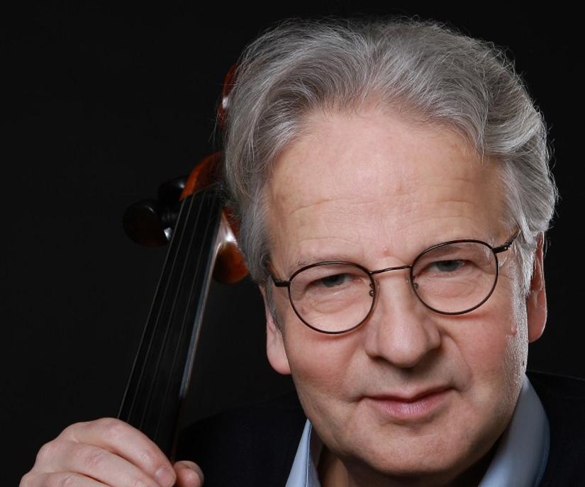 Guest cellist Niklas Schmidt.