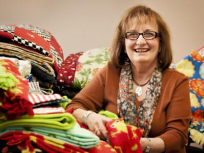 Milwaukee Volunteers: Rochelle Neu Sews Things For Kids