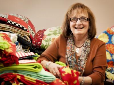 Milwaukee Volunteers: Rochelle Neu Sews Things For Kids