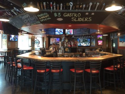 Weekly Happy Hour: Stubby's Has Huge Beer Selection