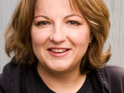 Nationally-Touring Stand-Up Comedian Jackie Kashian Returns to Perform at Her (New) High School