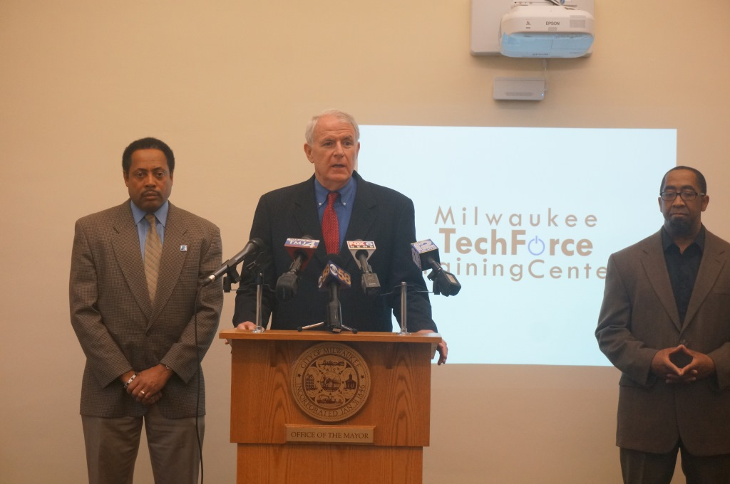 Mayor Barrett Announces City of Milwaukee Designated as White House TechHire Community. Photo from the City of Milwaukee.