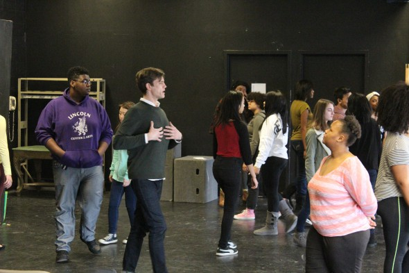 Lee Aaron Rosen working with students. Photo by Jim Cryns.