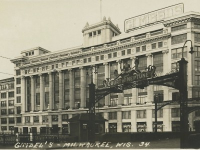 Yesterday's Milwaukee: Gimbels Department Store, 1925