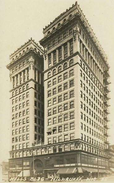 Wells Building, 1915. Image courtesy of Jeff Beutner.