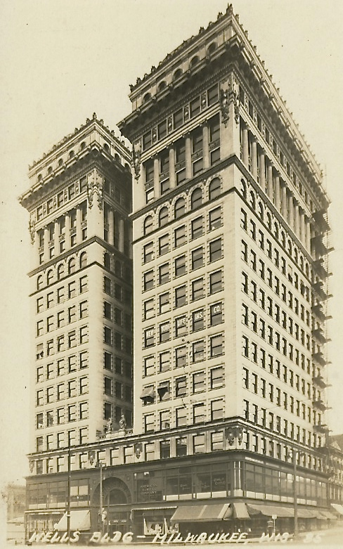 Wells Building, 1915. Image courtesy of Jeff Beutner.