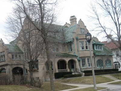 House Confidential: Mysterious $1 Million Lakeside Mansion