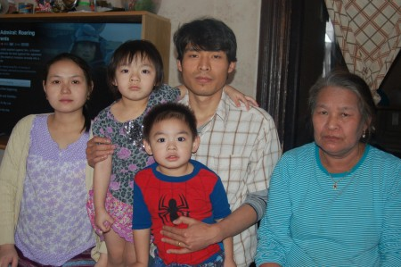 From left, Naw Day; Day Ball Ball, 4; Ball Nay Htoo and his mother, Kor Yeh. Front, Moon Htoo, 2. Photo by Andrea Waxman.