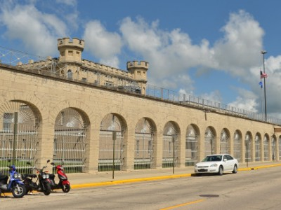 Wisconsin Budget: State's Prison Costs Still Growing