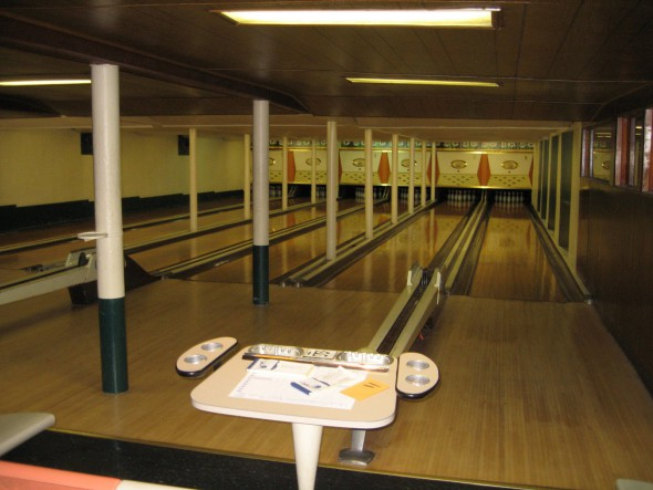 Bowl lanes. Photo by Michael Horne.