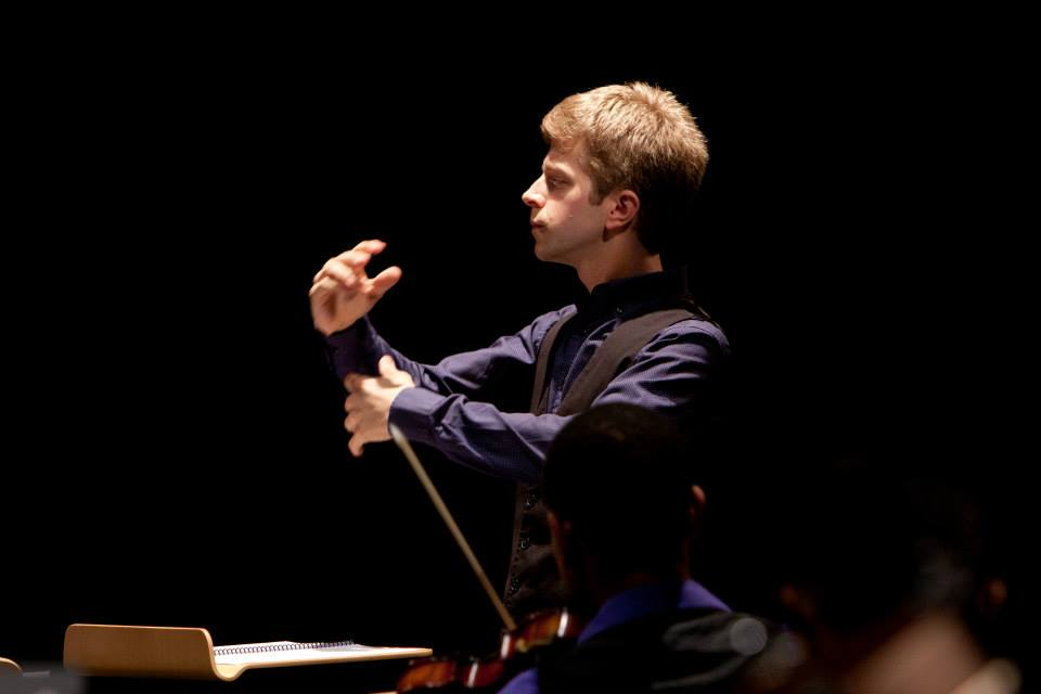 Conductor David Bloom. Photo by Susan Scheid