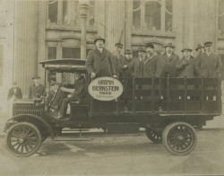 Gramm-Bernstein Delivery Truck, c. 1916. Image courtesy of Jeff Beutner.