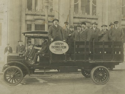 Yesterday's Milwaukee: Gramm-Bernstein Delivery Truck, c. 1916