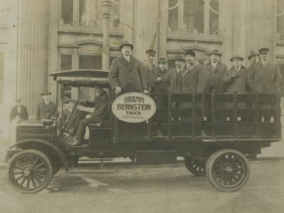 Yesterday's Milwaukee: Gramm-Bernstein Delivery Truck, c. 1916