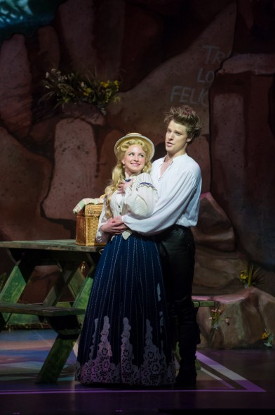 Julie Tabash Kelsheimer (Mabel) and Benjamin Robinson (Frederic) of Pirates of Penzance. Photo by Mark Frohna.