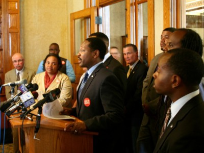 Aldermen Unveil Anti-Violence Initiative