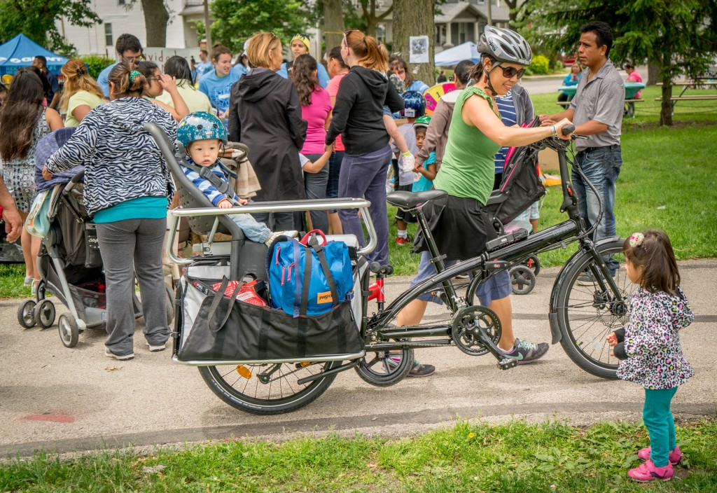 There were quite a few families on cargo bikes of all kinds this year.
