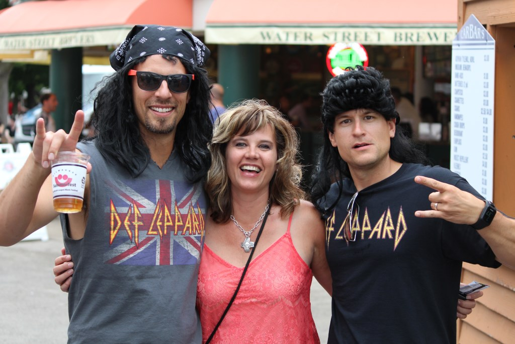 Def Leppard Fans Throng Summerfest. Photo by Jim Cryns.