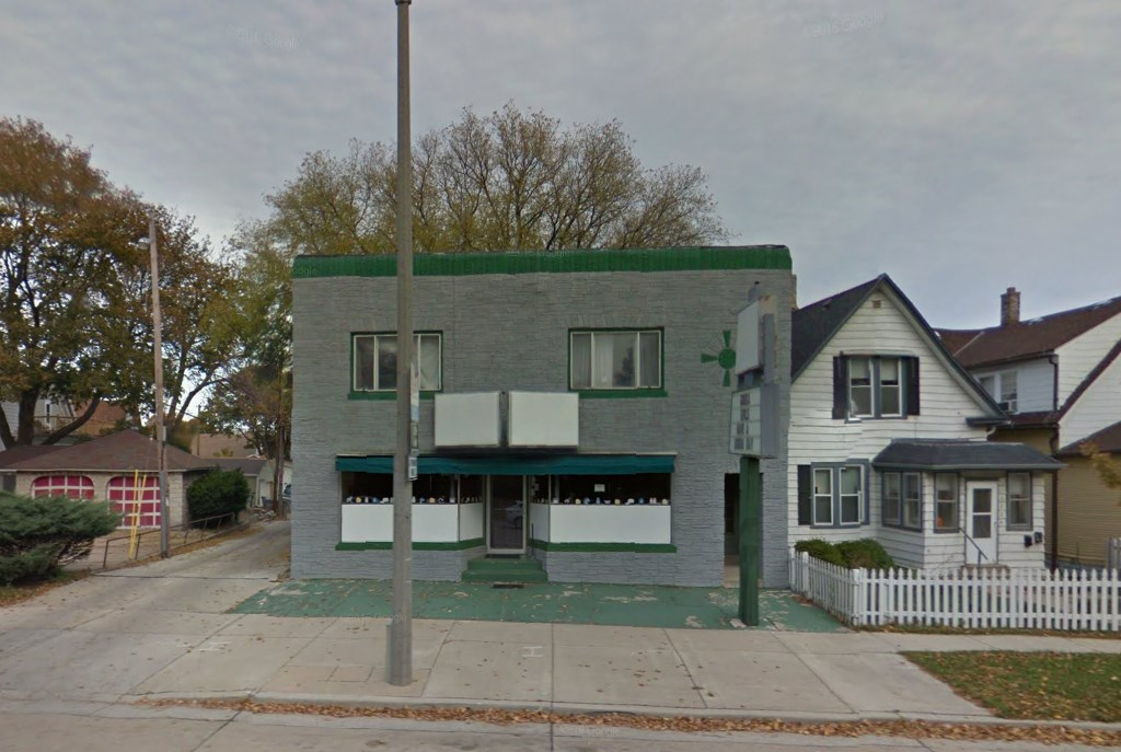 Future home of Sabrosa Café and Gallery, 3216 S. Howell Ave. Photo from Google.