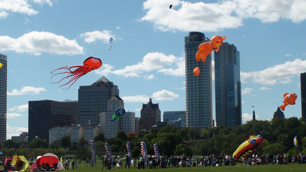 Maggiano's Frank Mots International Kite Festival. Photo courtesy of Milwaukee County Parks.
