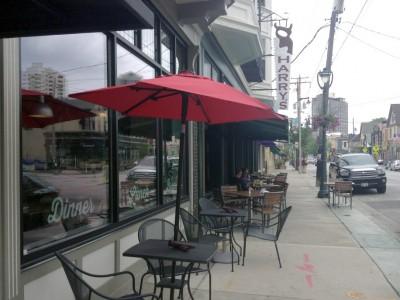 Dining: Pete's Pub to Replace Harry's on Brady