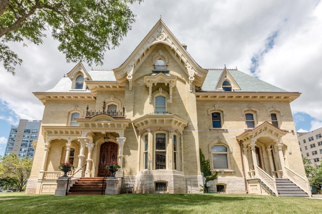Judge Jason Downer mansion. Photo courtesy of the Milwaukee Art Museum.