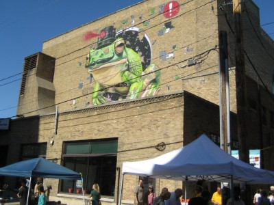 Plenty of Horne: Black Cat Mural Alley Opens