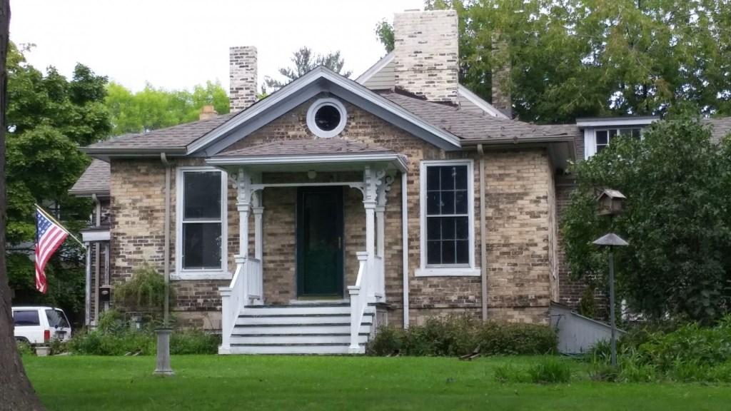 Locust Street home where Charles Whitnall was born in 1859. Photo by Carl Baehr.